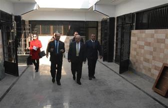 رئيس جامعة أسيوط في جولة تفقدية لمتابعة أعمال تجهيز أول مركز للامتحانات الإلكترونية | صور