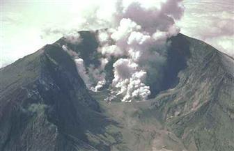إجلاء الآلاف بعد انطلاق رماد وأبخرة من بركان جنوب العاصمة الفلبينية