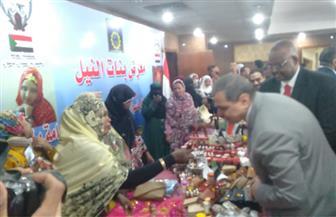 وزير القوى العاملة يفتتح معرضا للمشغولات اليدوية المصرية السودانية | صور