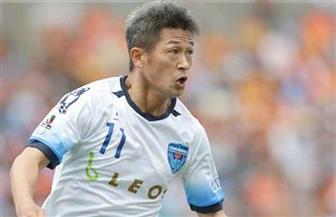 أكبر لاعب كرة قدم في العالم يمدد تعاقده مع فريق يوكوهاما الياباني