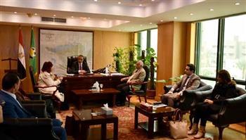 محافظ الفيوم يبحث التعاون مع وفد اتحاد المستثمرات العرب | صور