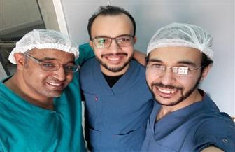 فريق من أطباء الجراحة بسوهاج العام ينجح في تركيب صمام مخي بريتوني لمريض| صور