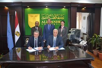جامعة الإسكندرية توقع بروتوكولا للتعاون مع نقابة الصيادلة لدعم القوافل الطبية | صور