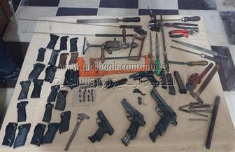 ضبط ورشة لتصنيع الأسلحة النارية والاتجار فيها بالبحيرة