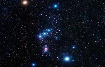 الجوزاء وليالي الشتاء.. مجموعات نجمية يمكن التعرف عليها بسهولة في قبة السماء