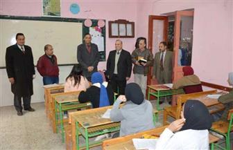 محافظ الدقهلية يتفقد لجان الامتحانات بمدرسة أحمد زويل الإعدادية بالمنصورة | صور