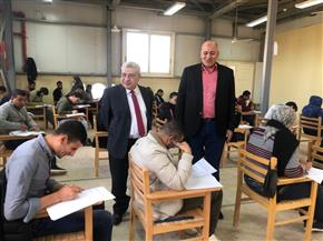 نائب رئيس جامعة طنطا يتفقد لجان الامتحانات بكليتي الآداب والحقوق| صور