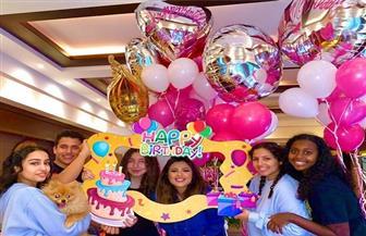ياسمين عبدالعزيز تحتفل بعيد ميلادها الـ٤٠
