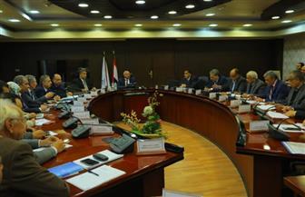 وزير النقل يتابع معدلات تنفيذ مشروعات تطوير مزلقانات ومحطات السكة الحديد