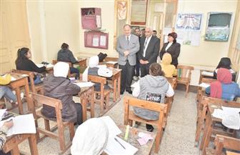 محافظ أسيوط يتفقد عددا من لجان امتحانات الشهادة الإعدادية | صور