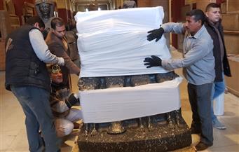 نقل 356 قطعة أثرية إلى المتحف المصري الكبير | صور