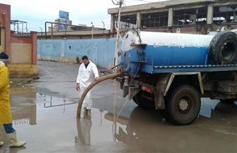 محافظ كفر الشيخ يوجه بسرعة رفع مياه الأمطار من الشوارع | صور