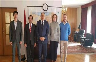 سفير مصر في بولندا يستقبل مجموعة من الشباب المشارك بمنتدى شباب العالم في شرم الشيخ | صور