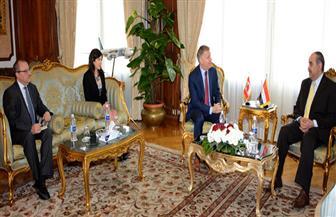 وزير الطيران المدني يستقبل سفير كندا بالقاهرة | صور
