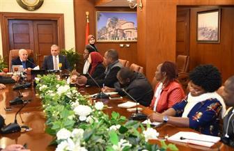 محافظ بورسعيد يستقبل مسئولي صندوق تطوير العشوائيات في كينيا | صور