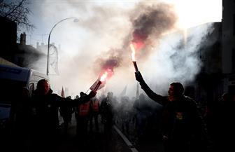 """محتجون على تعديل قوانين التقاعد بفرنسا يحاولون إفساد حدث يحضره ماكرون في """"فرساي"""""""