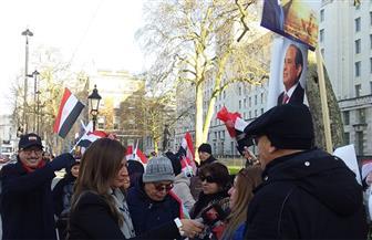 الجالية المصرية ببريطانيا تنظم وقفة تأييد للرئيس السيسي | فيديو وصور