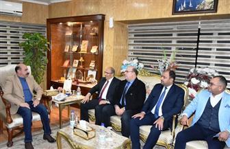 محافظ أسوان يلتقي رئيس هيئة التنمية الصناعية