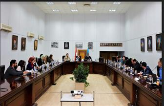 العناني يجتمع بهيكل لمناقشة خطة حملة ترويج افتتاح المتحف المصري الكبير   صور