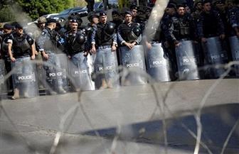 """""""مكافحة الشغب"""" تستخدم خراطيم المياه ضد المتظاهرين بمحيط مجلس النواب اللبنانى"""