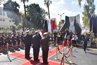 محافظ أسيوط يضع إكليلا من الزهور على النصب التذكاري لشهداء الشرطة بقوات الأمن بالفتح | صور