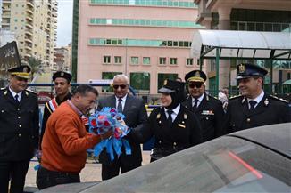ميناء الإسكندرية يحتفل بالعيد الـ68 للشرطة بالورود والهدايا   صور