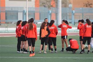 منتخب الكرة النسائية يختتم معسكره المفتوح | صور