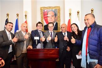 سفير فرنسا بمصر يكرم مدارس مصر للغات لتميزها تعليميا إقليميا ودوليا