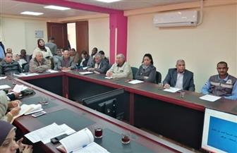المجلس التنفيذي لمدينة سفاجا يستعرض الخطة الاستثمارية والمشروعات الخدمية | صور