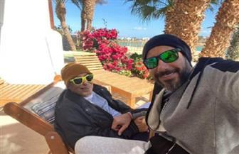 أحمد السعدنى فى أحدث ظهور مع والده: العمدة بيصبح