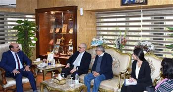 محافظ أسوان يبحث مع سفير إيطاليا تنظيم اليوم الثقافي الإيطالي