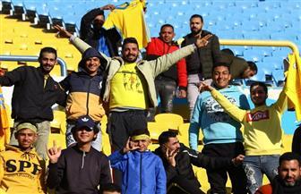توافد الجماهير على ملعب لقاء الإسماعيلي والاتحاد بالبطولة العربية | صور