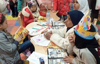 """""""نور"""" تحكي قصة """"أسود الوطن"""" للأطفال في جناح الأزهر بمعرض الكتاب   صور"""