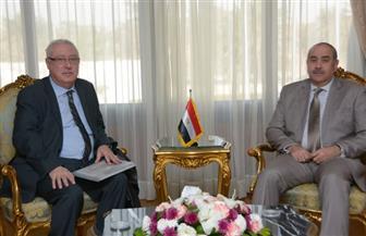 """وزير الطيران المدني يلتقي أمين عام الاتحاد العربي للنقل الجوي """"الأكو"""""""