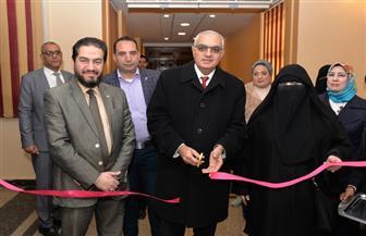 رئيس جامعة المنصورة يفتتح المعرض الخيري الثاني بمستشفى الأطفال | صور
