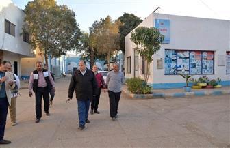 محافظ أسيوط يتفقد حاضنة المشروعات الصغيرة في عرب المدابغ | صور