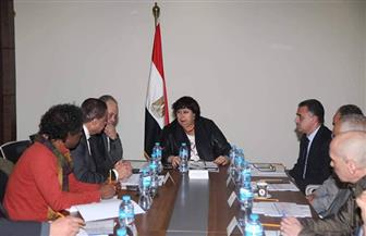 وزيرة الثقافة تجتمع برؤساء القطاعات لبحث ترتيبات إعلان تنصيب القاهرة عاصمة الثقافة الإسلامية 2020