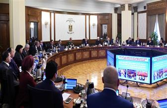رئيس الوزراء يناقش موازنة وزارة الدولة للإعلام