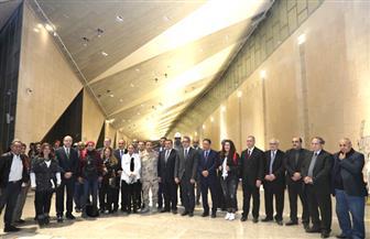 العناني يستقبل وزير الإعلام بالمتحف المصري الكبير | صور