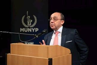 السفير المصري في براغ يحاضر الطلبة حول تغير المناخ وتأثيراته على البيئة