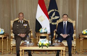 وزير الداخلية يستقبل وزير الدفاع وكبار قادة القوات المسلحة لتهنئته بعيد الشرطة