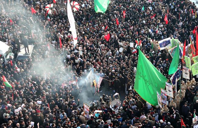 حشود ضخمة في جنازة سليماني