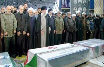 خامنئي يؤم صلاة الجنازة على جثمان الجنرال قاسم سليماني في طهران| صور