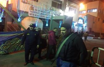 مدير أمن أسوان يتفقد الكنائس خلال صلاة قداس عيد الميلاد | صور