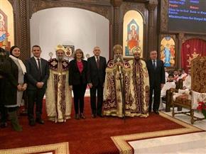 سفير مصر بواشنطن يحضر قداس عيد الميلاد ويهنئ الجالية المصرية   صور