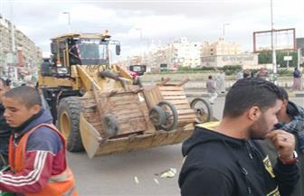 جهاز 6 أكتوبر يشن حملات مكبرة لإزالة الإشغالات والإعلانات المخالفة بعدة مناطق بالمدينة |صور