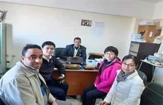 وفد صيني يزور كلية الزراعة بجامعة الوادي الجديد | صور