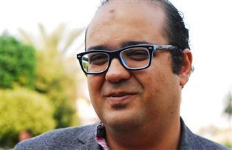 """عبد الرحمن مقلد بين """"ماريا"""" ودون كيخوته في ديوانه الجديد """"عواء مصحح اللغة"""""""
