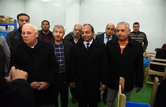 محافظ بورسعيد يتفقد مصنع أفينا للأدوات الكهربائية | صور