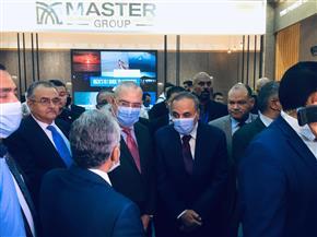 """وزير الإسكان وعبد المحسن سلامة يتفقدان معرض الأهرام للعقارات """"عقاري"""""""